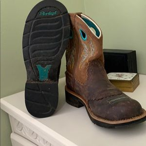 Ariat Shoes - Ariat short, fat baby boots